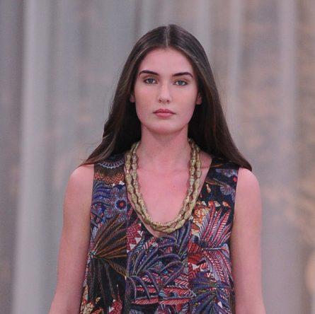 1ac62957784d Vanessa Incontrada porta in passerella la nuova collezione Primavera Estate  2019 per Elena Mirò