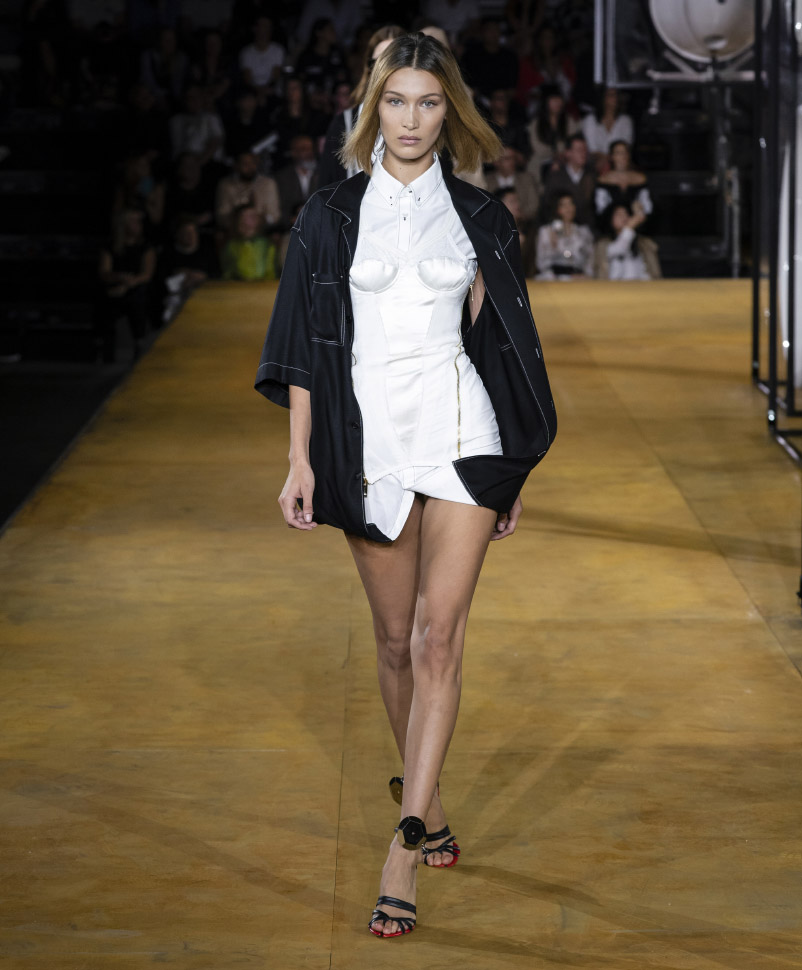 Bella Hadid . Burberry Spring Summer 2020 Collection
