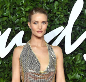 Rosie Huntington-Whiteley in Bottega Veneta (photo by Samir Hussein)
