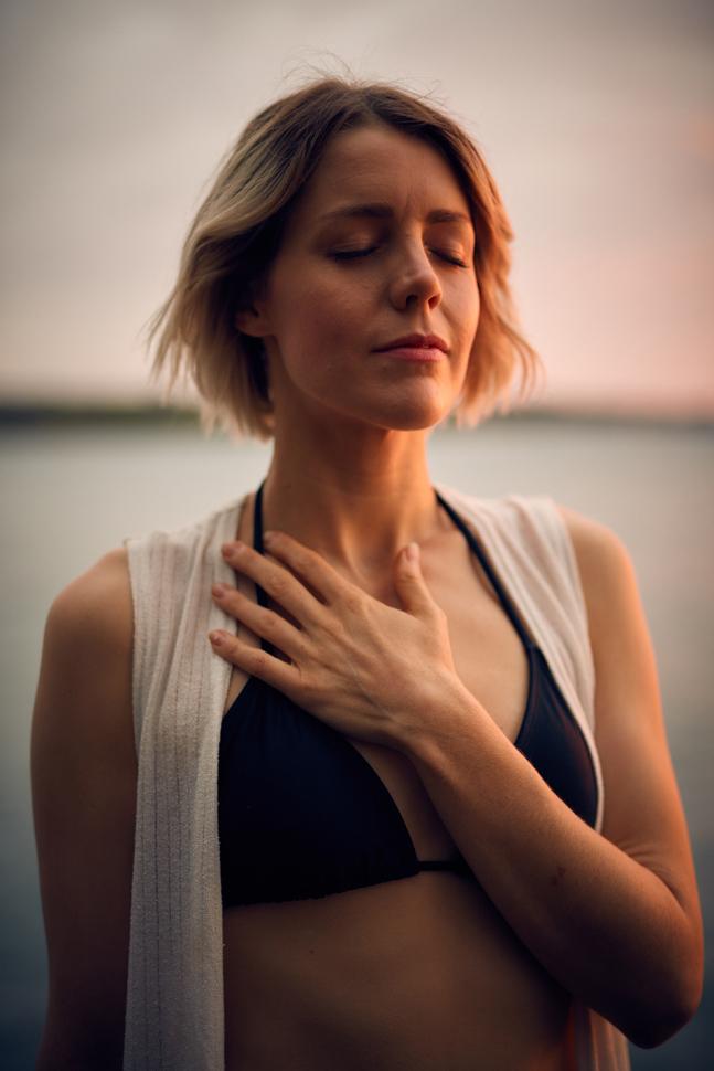 Respirare lentamente per regolare la respirazione
