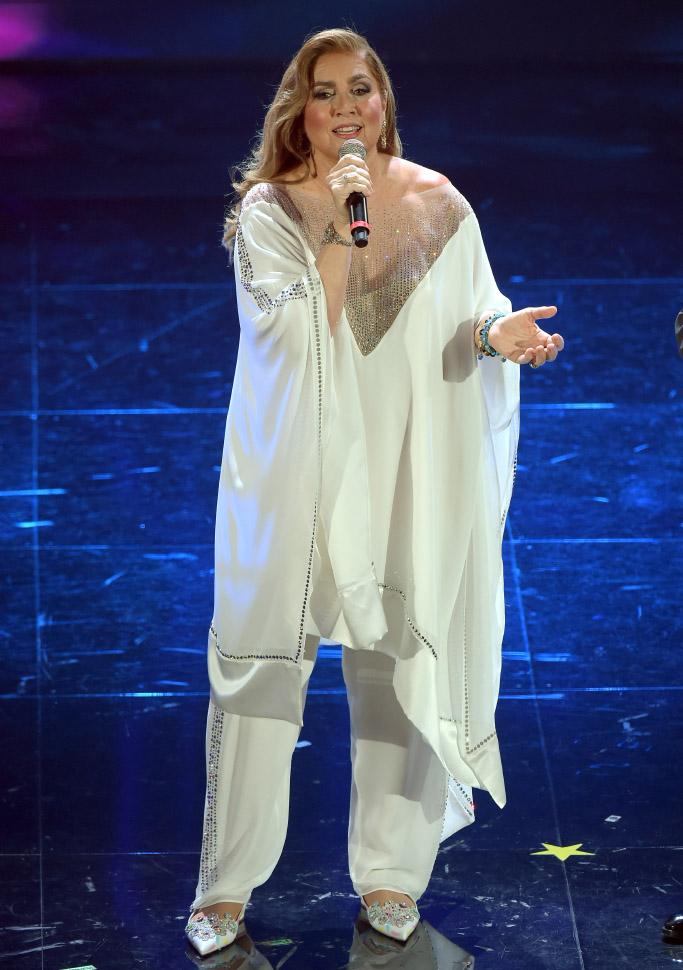 Romina Power in abiti Laura Biagiotti a Sanremo 2020 (Alberto Terenghi / IPA)