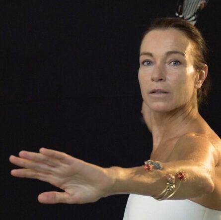 futuroRemoto Gioielli: Smash collection video with the special participation of Stefania Rocca