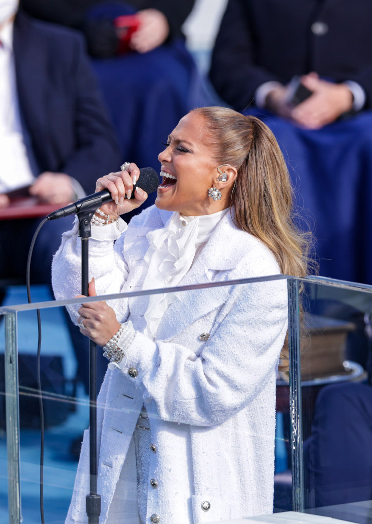 Jennifer Lopez veste Chanel all'inaugurazione presidenziale a Washington