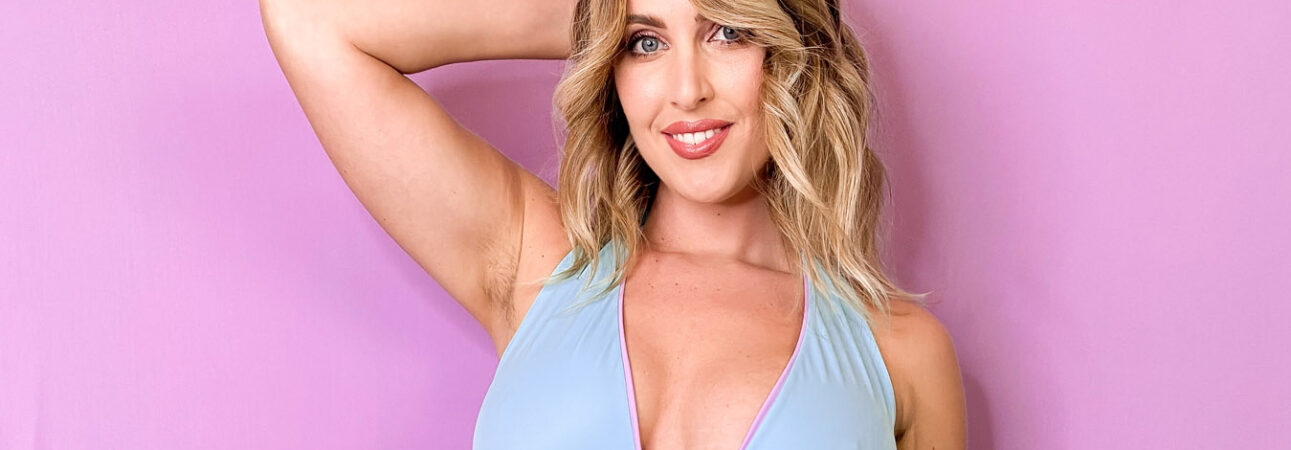 Laura Brioschi Donna costume Venus in tessuto eco Vita by Carvico