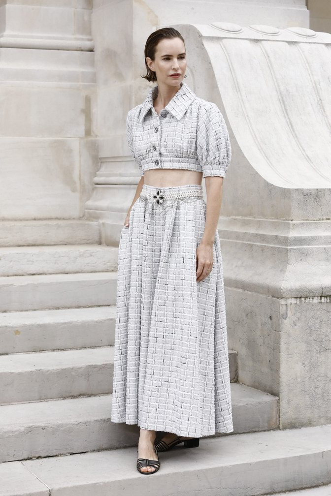 Naama Preis wore Chanel at Chanel Haute Couture Fall Winter 2021/22 - photo by Julien Hékimian