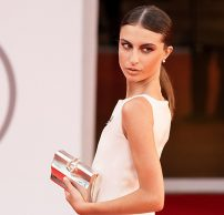 Red Carpet Venice Film Festival: Nicole Macchi in Lorenzo Riva triumphs with the iconic dress inspired by Jackie Kennedy