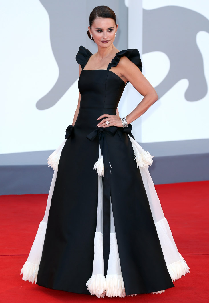 """Penelope Cruz wore Chanel at the Opening Ceremony of the 78th Venice International Film Festival - """"Madres Paralelas"""" Première . photo by Ernesto Ruscio"""