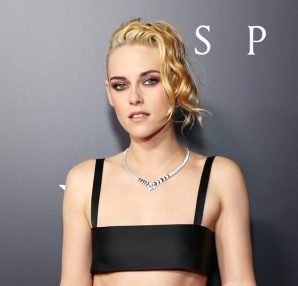 """Kristen Stewart wore Chanel at the """"Spencer"""" Premiere in Los Angeles - photo by Amy Sussman"""
