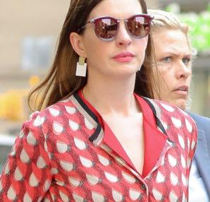 Anne Hathaway wore Bottega Veneta