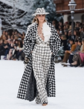 Chanel Fall Winter 2019/20 collection .  Cara Delevingne