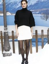 Phoebe Tonkin Chanel : Photocall- Paris Fashion Week Womenswear Fall/Winter 2019/2020