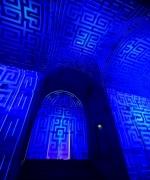 Gio ponti per Richard Ginori . Un'esperienza immersiva e cinematografica, che emoziona i visitatori facendoli partecipi del genio artistico di Gio Ponti. Questa intensa narrazione porta lo spettatore all'interno della mostra labririnto crata nel Museo del Louvre.